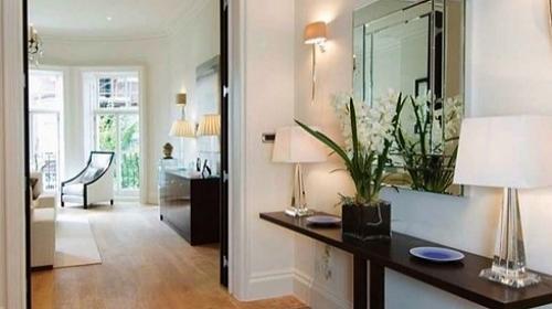 Hall de apartamento o que pode ou n o na hora de decorar ltimas not cias de casa e decora o - Specchi arredo ingresso ...