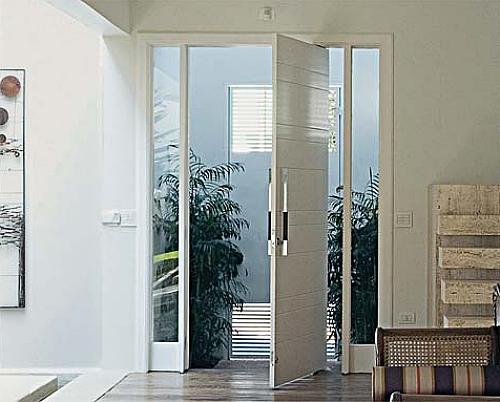 Porta o cart o de visita da casa saiba escolher a sua for Portas de apartamentos modernas