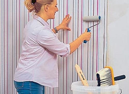 Use papel de parede para dar novos ares à sua casa Casa