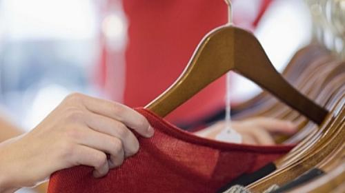 efe2e8bc298a Veja como vender suas roupas usadas pela internet - Dicas rápidas -  Comportamento   Bonde. O seu portal