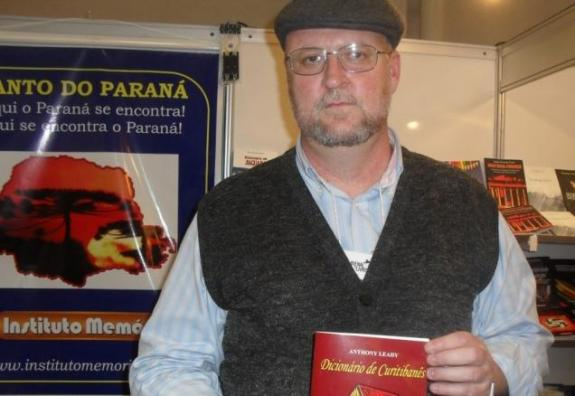 Anthony Leahy, dono da editora Instituto Memória, será um dos jurados do concurso.