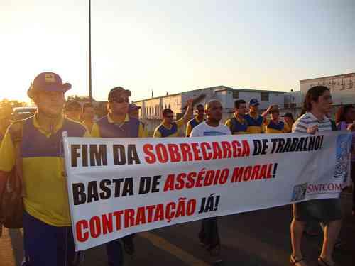 Divulga��o/Sintcom-PR - <i>Carteiros do Paran� podem entrar em greve a partir de quarta-feira</i>