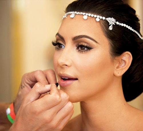 Dicas de maquiagens para as noivas com batom