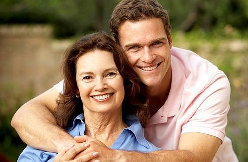 o que as mulheres mais velhas gostam no homem