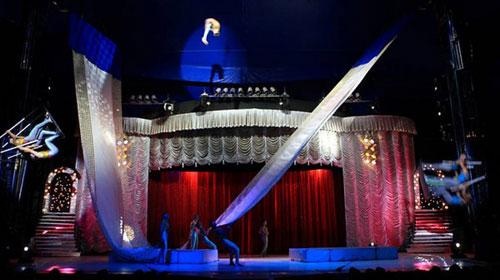 Divulgação - Número 'Maca Russa' do espetáculo Abrakadabra Circo Tihany