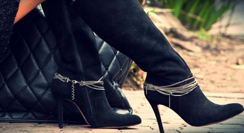 8daea3798 Veja dicas para alargar suas botas e guardá-las corretamente - Botas ...