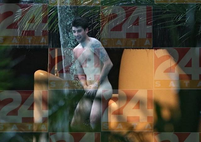 Jogadores Da Crocia So Flagrados Nus Na Piscina Do Hotel Crocia Nus Hotel Bahia Esportes