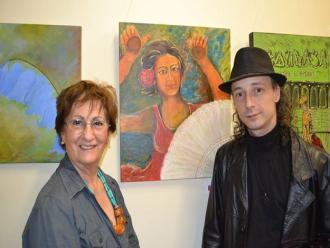 A artista Elieder Corr�a da Silva e o curador Carlos Zemek.
