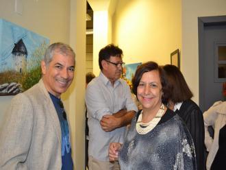 Jul Leardini, mestre de cerim�nia e Isabel Furini, organizadora do evento.