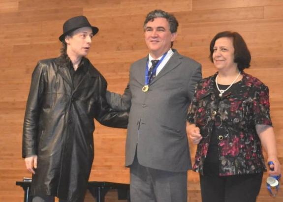 Marcos Cordiolli, presidente da FCC, recebe Medalha de Honra ao M�rito.