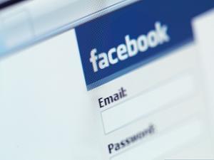Facebook registra 674 milh�es de intera��es referentes �s elei��es no Brasil