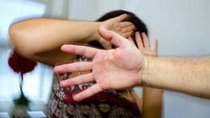 Uma em cada tr�s mulheres � v�tima de viol�ncia conjugal, alerta OMS