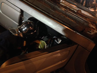 Carro capota ap�s colis�o no centro de Londrina