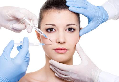 Cirurgia plástica 'combinada' traz mais vantagens do que riscos