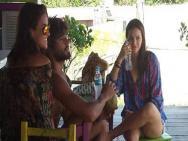 Marquezine conhece fam�lia de novo namorado em Santa Catarina