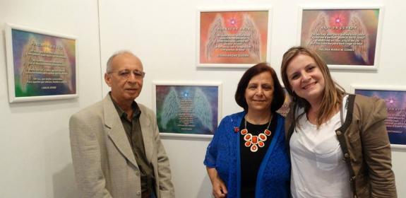 Os poetas Carlos Muniz, Marina Carraro e Isabel Furini na abertura da exposi��o.