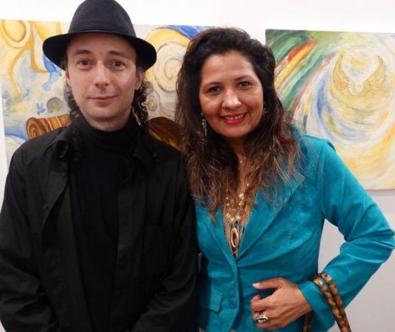 O curador Carlos Zemek e a artista pl�stica Ivani Silva.
