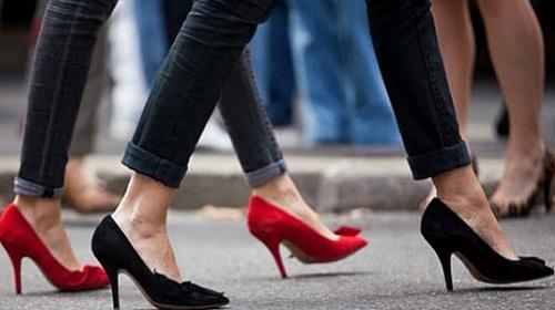4b65c889e2 Truques caseiros ajudam a recuperar o visual dos seus calçados  confira -  Calçados - Dicas rápidas - Comportamento