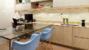 Adesivos que decoram interiores s�o pr�ticos para quem gosta de deixar os espa�os da casa ou do escrit�rio com a cara de quem os ocupa