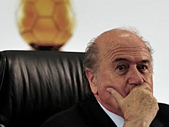 'Preso por qu�?', questiona Blatter sobre esc�ndalo de corrup��o