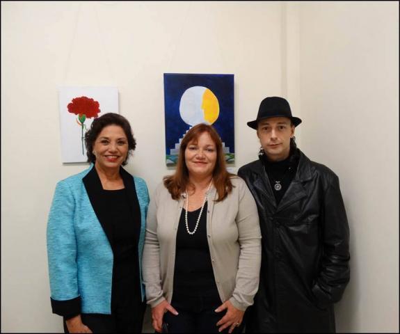 As artistas e poetisas Maria Antonieta Gonzaga Teixeira e Vanice Ferreira com o curador Carlos Zemek.
