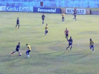 Londrina empata com o Penapolense em jogo-treino no Caf�
