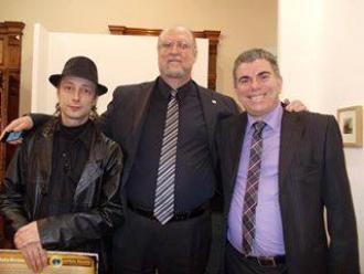 O artista pl�stico Carlos Zemek, o editor Anthony Leahy e o escritor Jocelino Freitas.