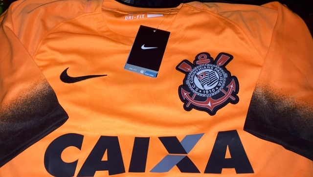 632c4fca57c13 Corinthians terá camisa laranja em homenagem ao 'Terrão ...
