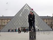 Site indica quais lugares tur�sticos ainda permitem uso de 'pau de selfie'