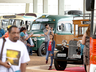 Encontro em Londrina reúne apaixonados por ônibus