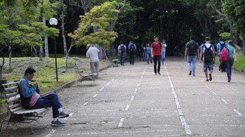 Saulo Ohara/Equipe Folha - UEL adia manutenção no campus para evitar prejuízos à área acadêmica