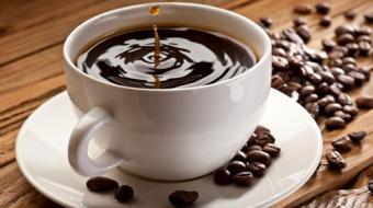 Beber caf� diariamente aumenta expectativa de vida