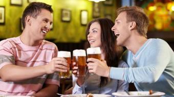 Por que algumas pessoas ficam b�badas mais rapidamente que outras?