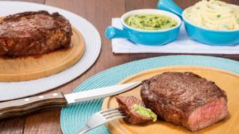Bife de chorizo com molho verde � prato ideal para um almo�o saboroso