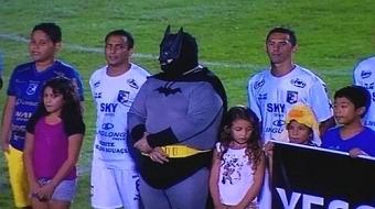 'Batman' chama aten��o em derrota do Foz contra o Coritiba