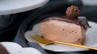 Torta mousse de Ferrero Rocher e Nutella para aproveitar o feriado prolongado