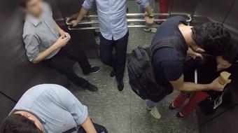 V�deo mostra rea��o das pessoas ao presenciarem homem agredindo namorada
