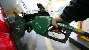 Procon autua 28 postos de combust�veis por pre�os elevados em Londrina