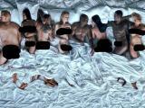 Kanye West lan�a clipe em que aparece nu ao lado de v�rias celebridades