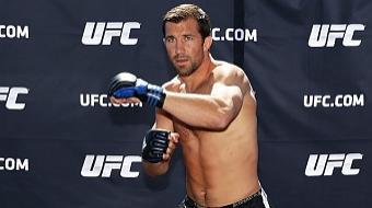 Luke Rockhold almeja combate com Anderson Silva