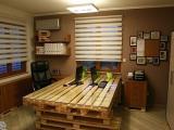 Paletes tamb�m rendem m�veis para escrit�rio; confira ideias