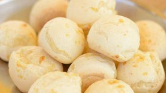 P�o de queijo de tapioca � leve e feito com apenas tr�s ingredientes