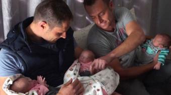 Casal Gay tem trig�meos com DNA dos dois pais em primeiro caso da hist�ria