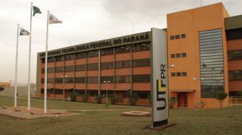 Alunos da UTFPR de Londrina paralisam atividades em protesto � PEC 241