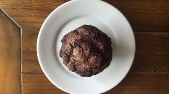 Muffins de cacau com chocolate