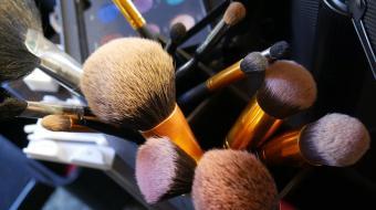 Guia pr�tico: como limpar os pinc�is de maquiagem?