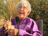 Morre mulher de 91 anos que trocou quimioterapia por viagens