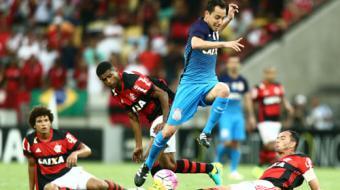 Corinthians festeja empate no Rio, mas reclama de erro da arbitragem