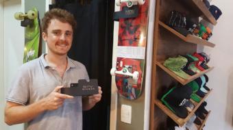 Skatista empreendedor recorre a microcr�dito para construir pista em loja