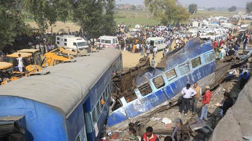 Resultado de imagem para Acidente de trem na Índia mata mais de 100 pessoas e fere 150